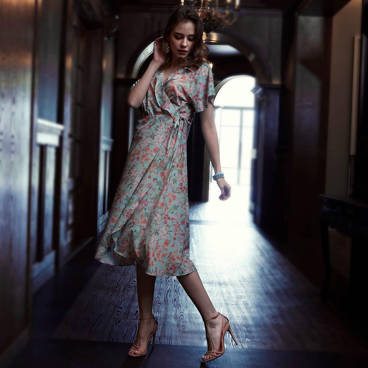 화사한 플라워 프린트 가운 드레스(OGN6830)